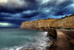 Valletta Facing a Storm (0131)
